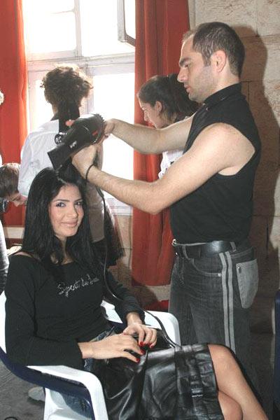 """صور الفيديو الكليب """"الفاضح"""" للنجمة اللبنانية الشابة """"ماريّا"""""""