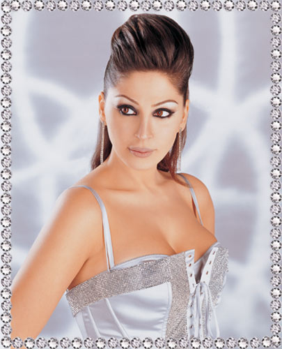 singer woman B047500112