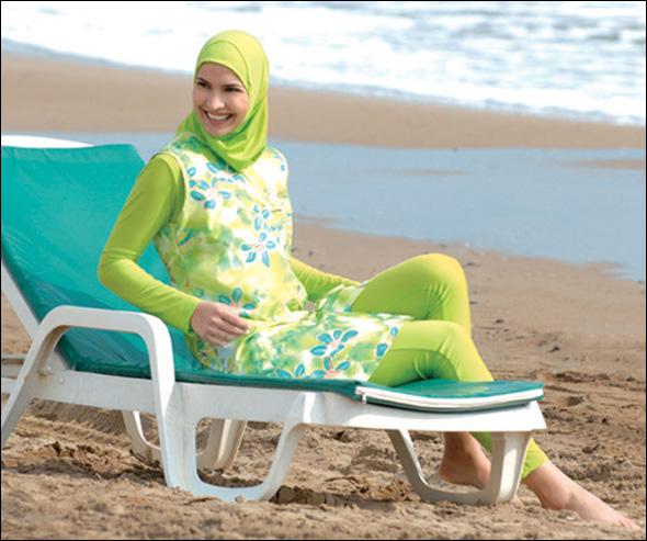 ملابس سباحة للمحجبات b0692143647.jpg