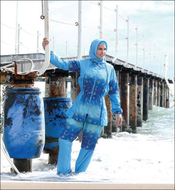ملابس سباحة للمحجبات b0692143704.jpg
