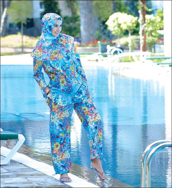 مصمم أزياء تركي يقدم ملابس بحر نسائيه اسلاميه B0692143728