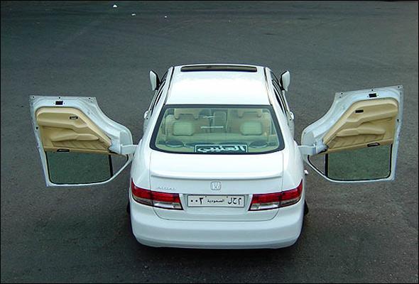 سيارةالهوندا اكورد.. b0694153450.jpg