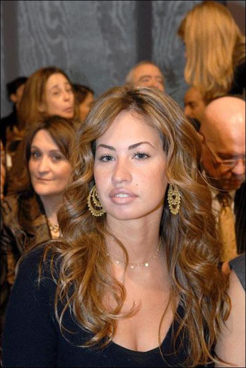 الظهور الأوّل العلني الأول لخديجة الجمّال، خطيبة جمال مبارك