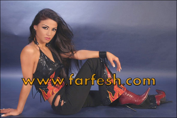 Dolly Shahine Feet FARFESH - دوللي �...