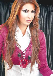 صورة رقم 1 - كريستينا صوايا: لقد تسرعت في الزواج..!