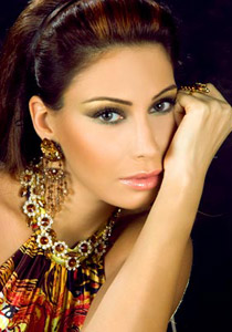 صورة رقم 2 - كريستينا صوايا: لقد تسرعت في الزواج..!