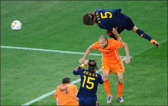 صورة رقم 16 - مونديال 2010.. بطلة العالم سج لت رقما قياسيا في أقل عدد أهداف!!