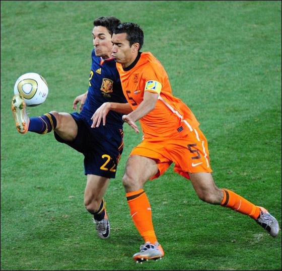 صورة رقم 9 - مونديال 2010.. بطلة العالم سج لت رقما قياسيا في أقل عدد أهداف!!