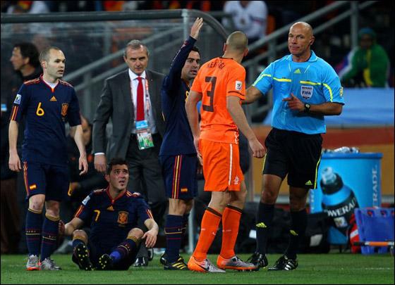 صورة رقم 17 - مونديال 2010.. بطلة العالم سج لت رقما قياسيا في أقل عدد أهداف!!
