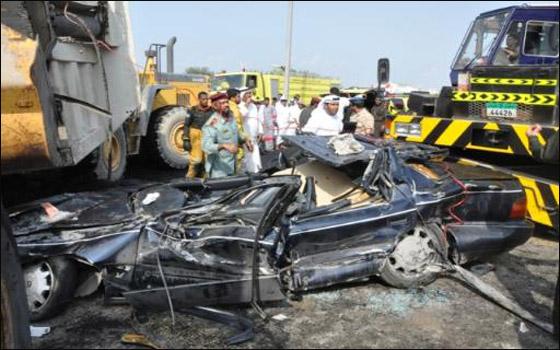 صورة رقم 5 - اماراتي بقي ساعتين تحت شاحنة تزن 50 طن ونجا باعجوبة!