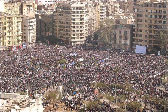صورة رقم 1 - عدد المتظاهرين في ميدان التحرير يفوق المليون والمطلب رحيل النظام