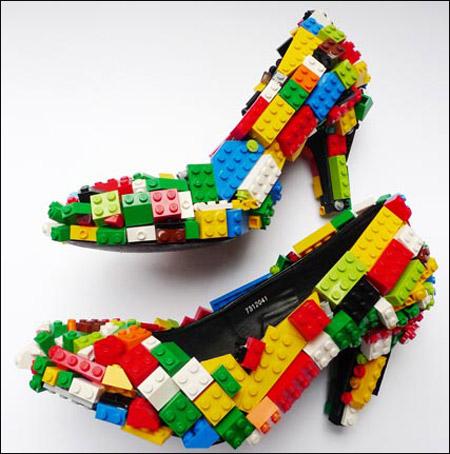 صورة رقم 1 - حذاء من الليغو بـ 2600 دولار فقط!!!