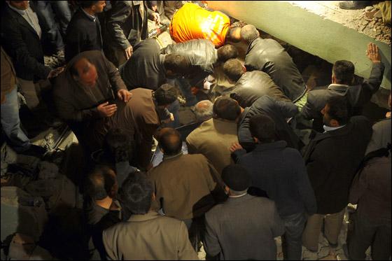 صورة رقم 5 - ما بين 500 الى 1000 ضحية في زلزال ضرب تركيا بقوة 7.3!