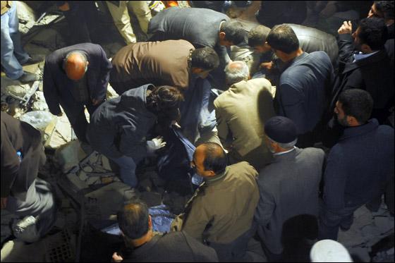 صورة رقم 7 - ما بين 500 الى 1000 ضحية في زلزال ضرب تركيا بقوة 7.3!