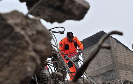 صورة رقم 5 - شاب ينجو من زلزال تركيا بفضل هاتفه المحمول!