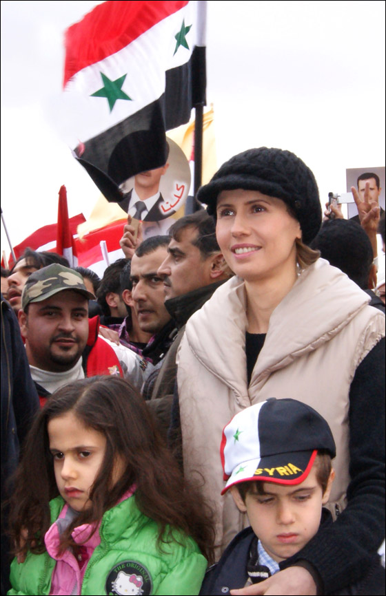 صورة رقم 3 - بعد صمت طويل.. أسماء الاسد تؤيد النظام في قمع الثورة السورية