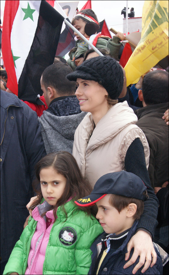 صورة رقم 2 - بعد صمت طويل.. أسماء الاسد تؤيد النظام في قمع الثورة السورية