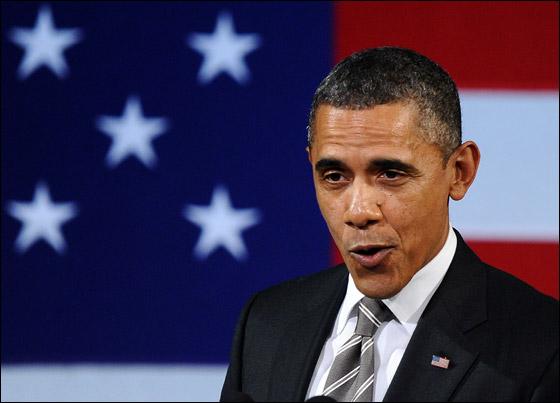 صورة رقم 4 - اوباما يفاجئ الجميع بغنائه العفوي خلال حفل لجمع التبرعات!