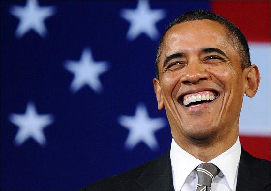صورة رقم 5 - اوباما يفاجئ الجميع بغنائه العفوي خلال حفل لجمع التبرعات!