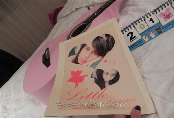 صورة رقم 3 - الطالبة العراقية زهراء شهاب تهدي فرفش كتابها الاول من الصين
