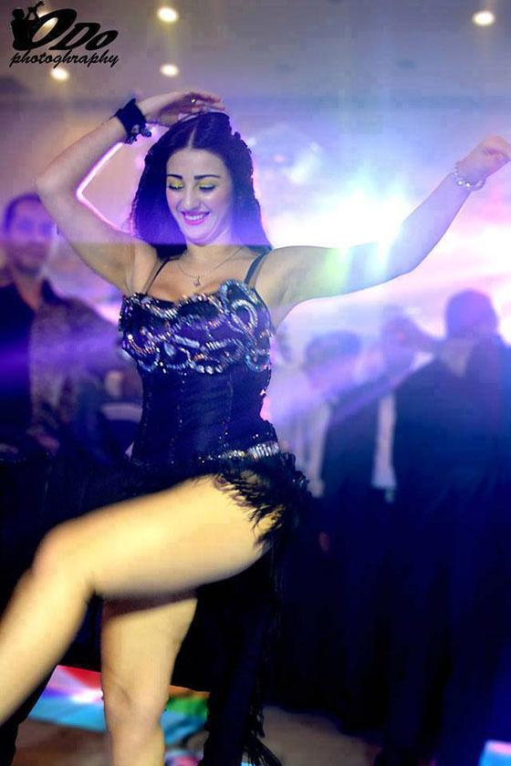 افتراضي الراقصة كاريمان تنشر صور مثيرة جدا متحدية الارمنية صافيناز