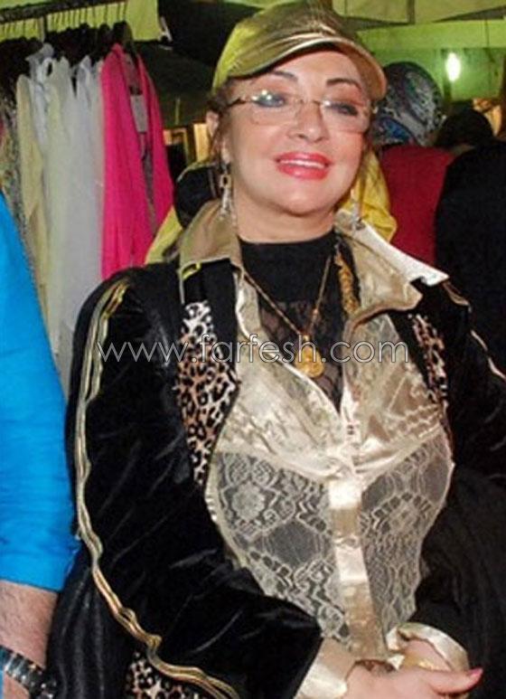 الفنانة شهيرة زوجة محمود ياسين تطل بقبعة تظهر شعرها وبدون حجاب صورة رقم 8