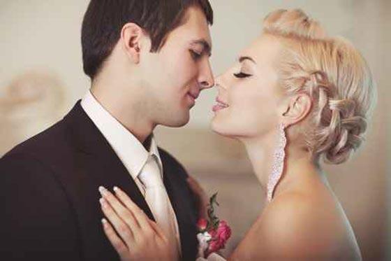 اهمية القبلة وتلاقي الانفاس والشفاه العلاقة الحميمة 560_thqafe.jpg