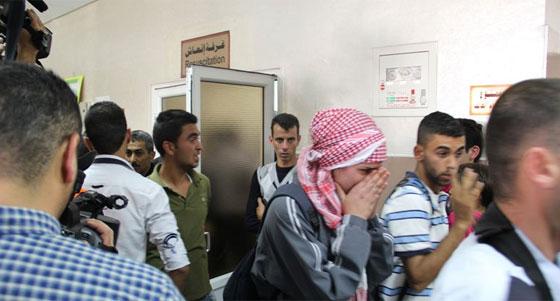 لقطات تصور اعدام جنود اسرائيل لشابين دون اي سبب صورة رقم 15