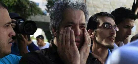 لقطات تصور اعدام جنود اسرائيل لشابين دون اي سبب صورة رقم 8
