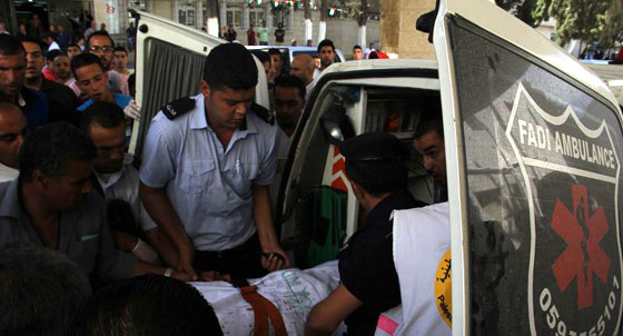 لقطات تصور اعدام جنود اسرائيل لشابين دون اي سبب صورة رقم 11
