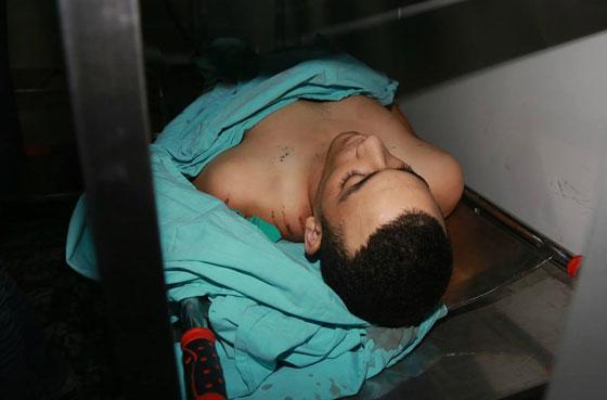 لقطات تصور اعدام جنود اسرائيل لشابين دون اي سبب صورة رقم 6