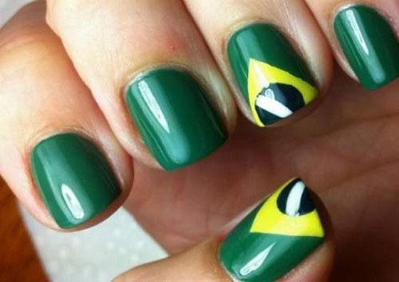 طلاء أظافر مستوحي مونديال البرازيل nails_26.jpg