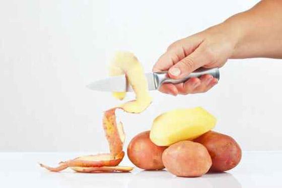 صورة رقم 1 - صدق او لا تصدق.. قشر البطاطا قد يسبب التسمم!!
