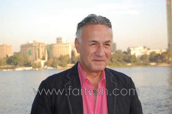فيديو عزت ابو عوف يفجر مفاجأة بإعلان زواجه من مديرة اعماله صورة رقم 5