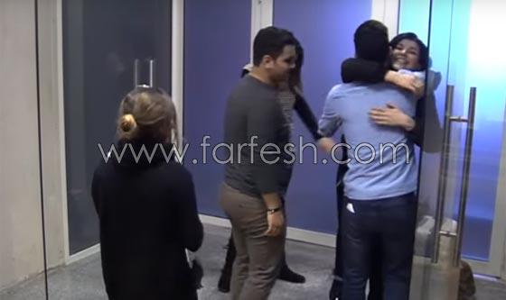 صورة رقم 11 - فيديو حنان الخضر تعود من فرنسا: انيس يعانقها ورفاييل يبعده عنها!
