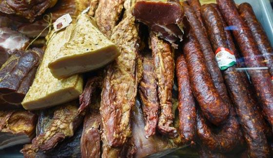 هكذا تكون اللحوم المشوية اشهى والذ.. 11 طريقة عالمية مشهية وتفتح النفس صورة رقم 1