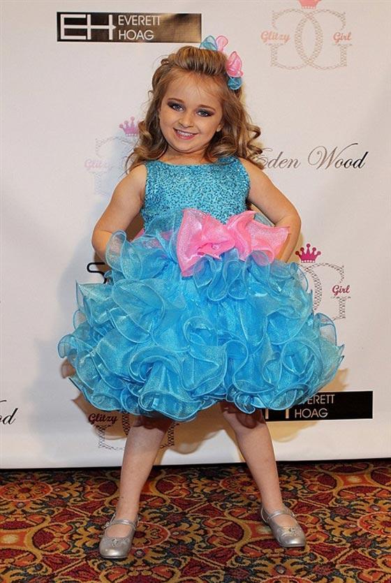 صورة رقم 13 - اصغر سيدة اعمال.. طفلة 9 سنوات جنت الملايين من عروض الازياء