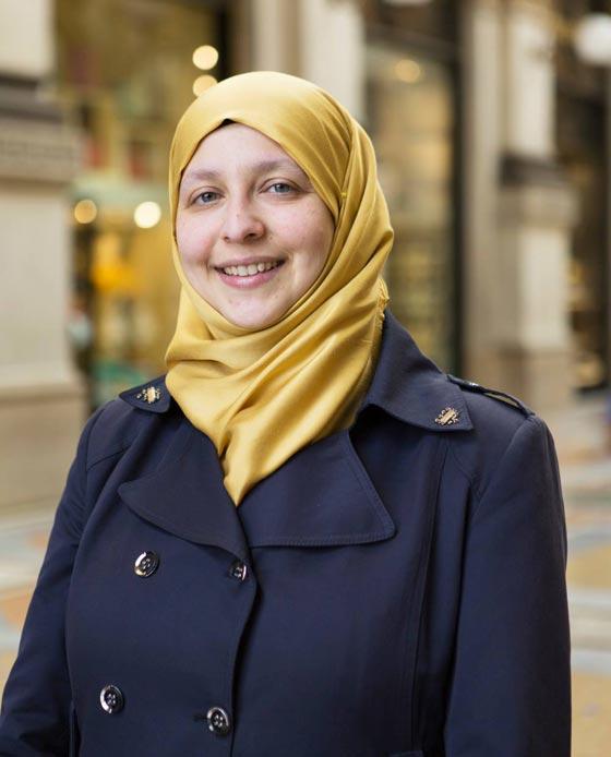 صورة رقم 6 - سمية عبد القادر. سجلو هذا الاسم. اول مسلمة برلمانية في ميلانو الايطالية