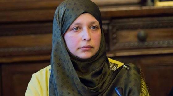 صورة رقم 4 - سمية عبد القادر. سجلو هذا الاسم. اول مسلمة برلمانية في ميلانو الايطالية