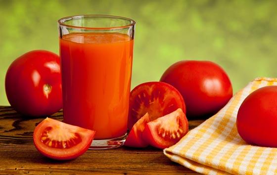 عصير الطماطم بحليب اللوز.. فوائد صحية جمة تغنيك عن زيارة الطبيب tomato_02.jpg