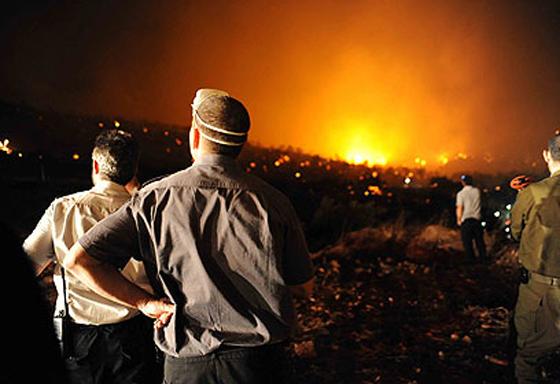 صورة رقم 31 - عجز اسرائيل في مواجهة الحرائق حجب ثقة عن نتنياهو الذي يؤثر النباح على العرب