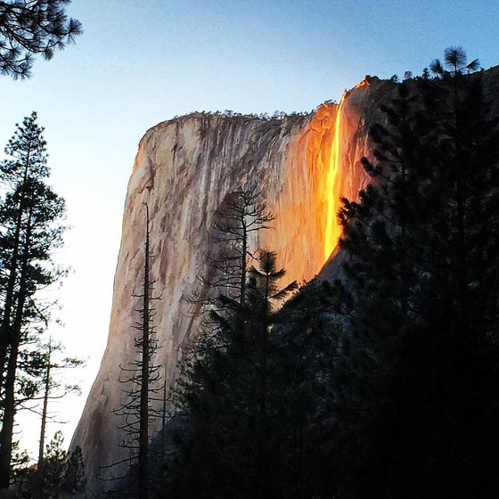 صورة رقم 1 -  صور رائعة: سر شلالات كاليفورنيا النارية ذات اللون الأحمر!