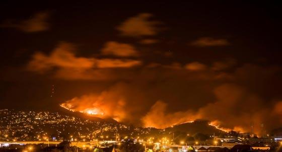 حرائق غابات ضخمة في نيوزيلندا تتسبب بنزوح الآلاف عن بيوتهم صورة رقم 2