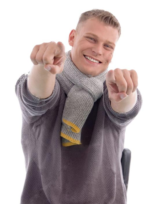 صورة رقم 6 - لغة الجسد تفضح الانسان: الخائف يفرك اصابعه والكذاب يلمس الاذن والشعر