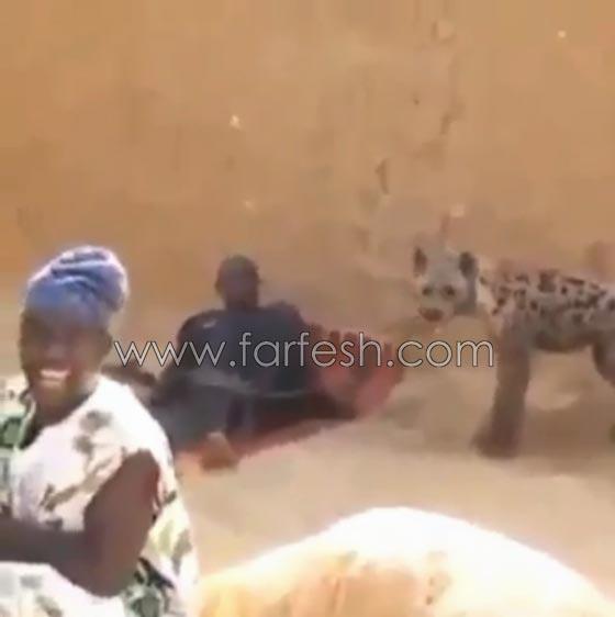 صورة رقم 6 - فيديو ضاحك: مقلب مرعب نفذته امرأة بزوجها  في الصحراء