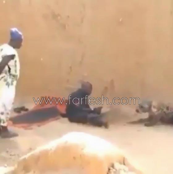 صورة رقم 10 - فيديو ضاحك: مقلب مرعب نفذته امرأة بزوجها  في الصحراء