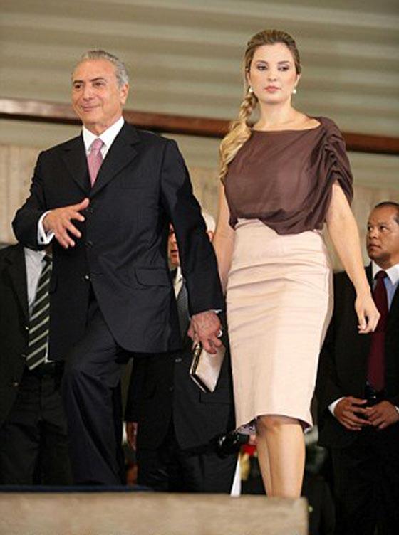 صورة رقم 2 - الاشباح تطرد الرئيس الارجنتيني لبناني الاصل واسرته من القصر الرئاسي