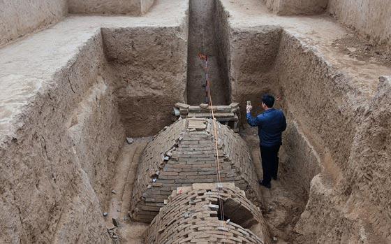 صورة رقم 2 -   ما هو سر المقبرة الغريبة هرمية الشكل التي تم اكتشافها في الصين؟