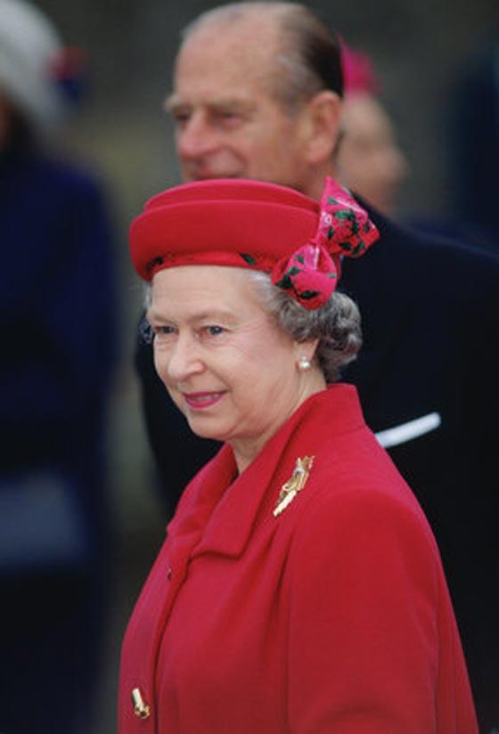 صورة رقم 7 - شيفرات ترسلها الملكة اليزابيث من حقيبتها لفريق عملها.. تعرف عليها