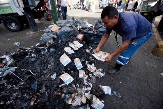 صورة رقم 11 - فنزويلا من أغنى الدول بالنفط وشعبها يأكل من القمامة
